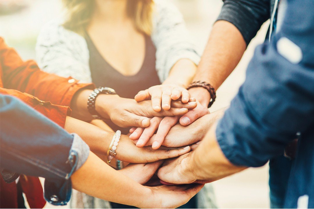How To Make an Impact: 5 Ways to Give Back To Your Community | Jewelers Mutual | Hayle Olson | www.hayleolson.com