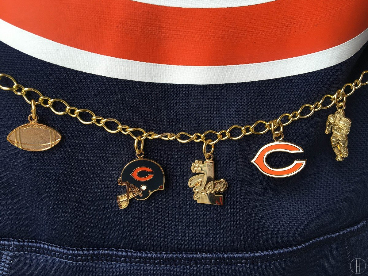 Fashionable at a Football Game | NFL Bears | Hayle Olson | www.hayleolson.com