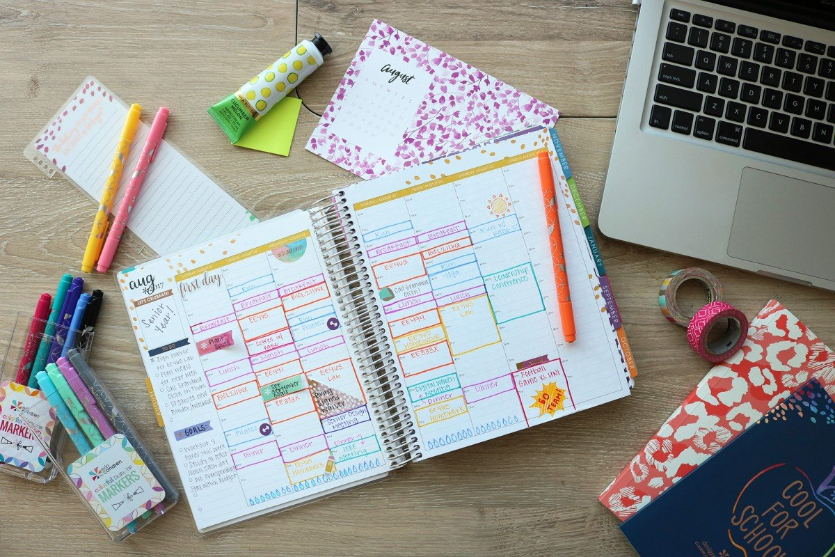 15 Things To Put In Your College Planner